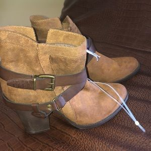 Mossimo Boots!